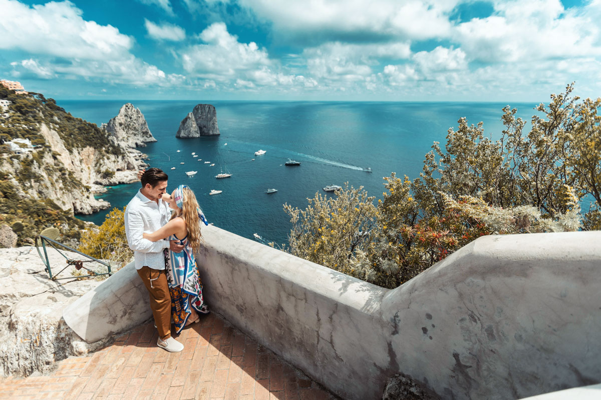 capri walk and photo